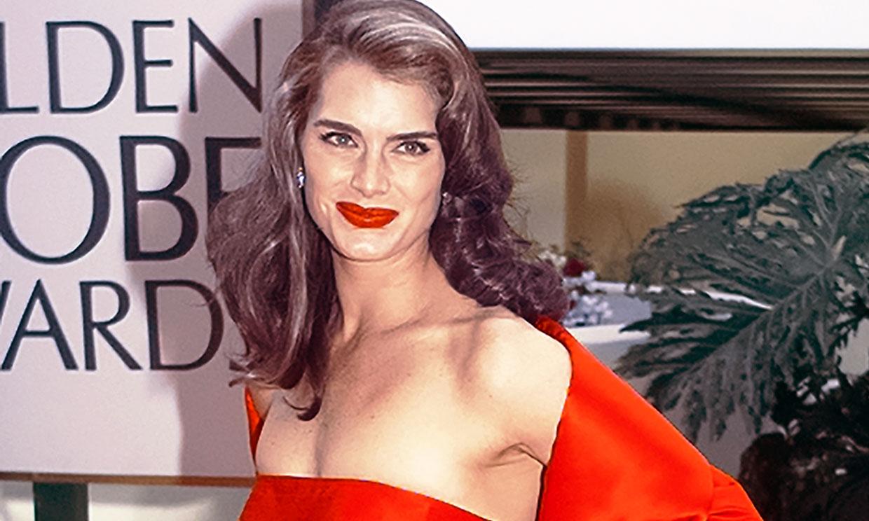 Brooke Shields le presta a su hija su icónico vestido rojo de los Globos de Oro para su baile de graduación