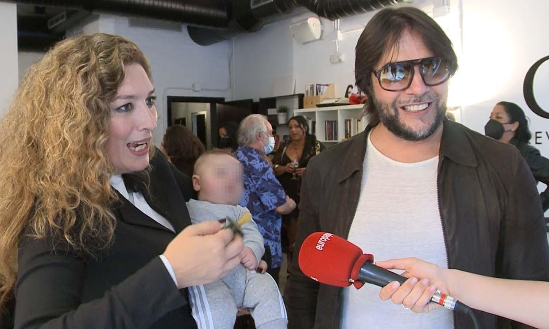 Joaquín Cortés se lleva a sus hijos a una presentación y se convierten en el centro de todas las miradas