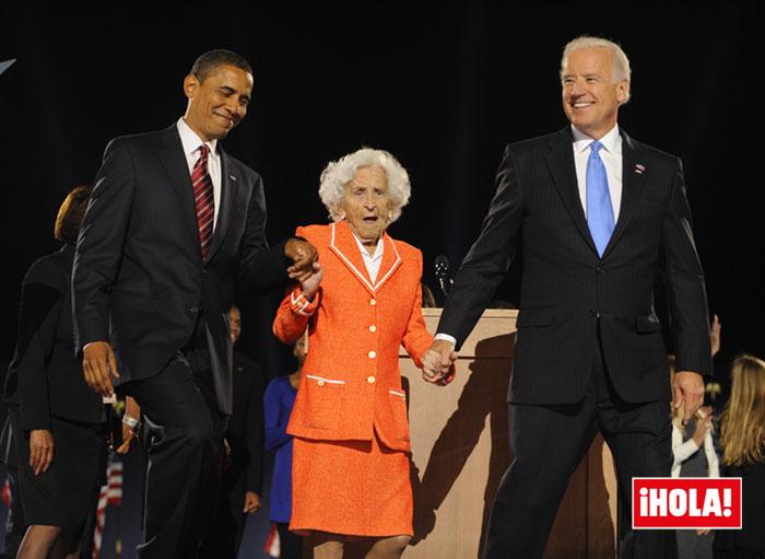 Joe Biden con su madre y Barack Obama
