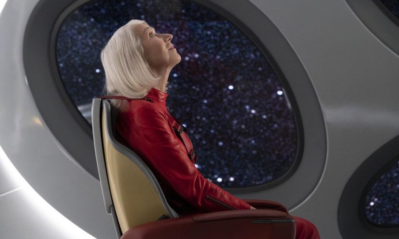 Anne Hathaway, Helen Mirren o Morgan Freeman se dan cita en 'Solos', el estreno futurista del momento