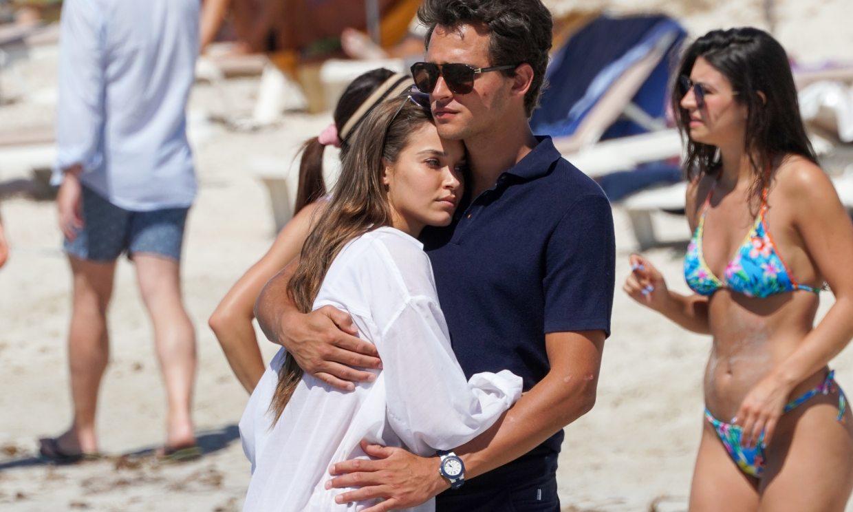 Pepe Barroso y Gara Arias, una pareja 'top' en Ibiza en su primer verano de amor