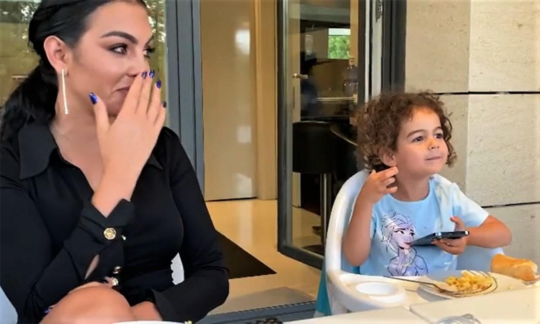 La emoción de Georgina Rodríguez al escuchar a su hija Alana Martina cantando el tema de 'Frozen'