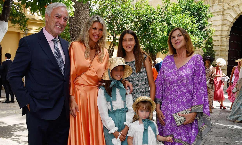 Los duques de Terranova y Mariló Montero asisten a la boda de Ymelda Bilbao de la Cierva y Borja Mesa-Jareño