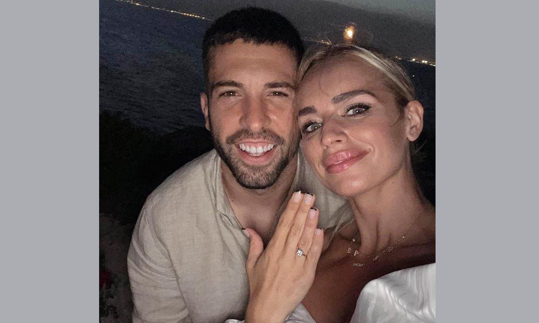 '¡Ha dicho que sí!': Romarey Ventura muestra el espectacular anillo de su compromiso con Jordi Alba