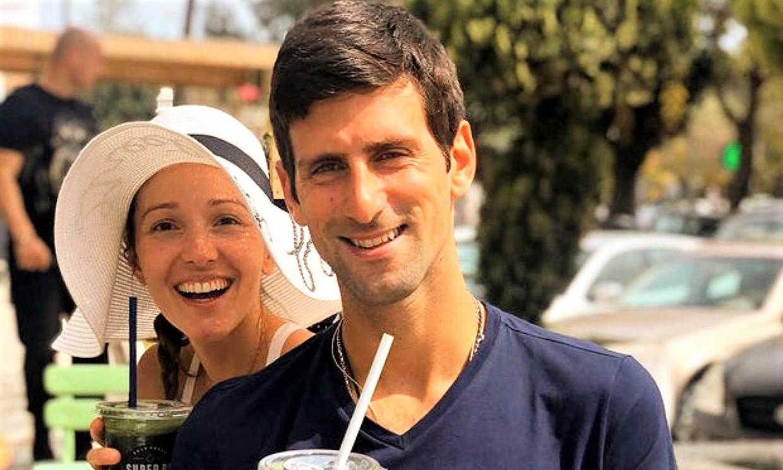 ¡Bailando salsa o haciendo ganchillo! Jelena Djokovic muestra las facetas más divertidas del tenista serbio