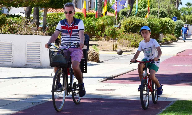 Ortega Cano, visiblemente recuperado, disfruta de un 'verano azul' con su hijo