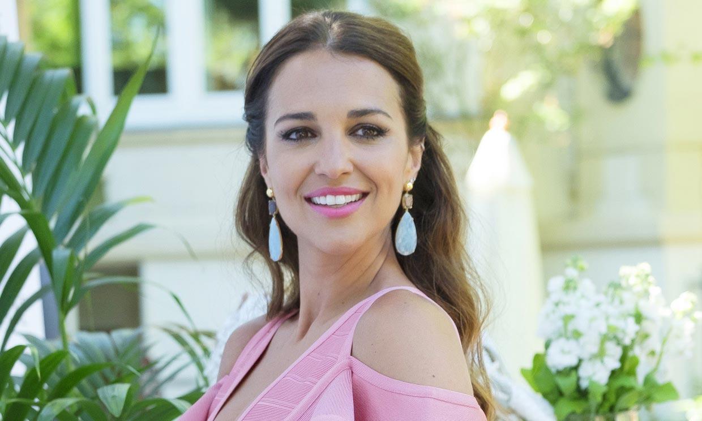 Paula Echevarría disfruta de las 'primeras veces' de su bebé mientras echa de menos a Daniella