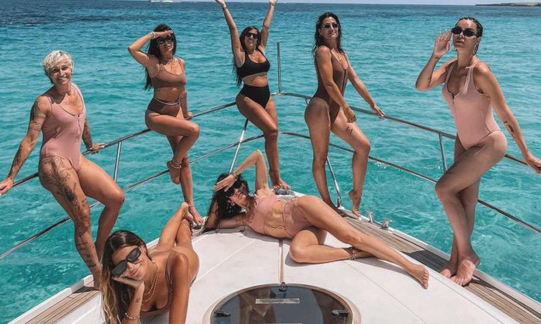 Anabel Pantoja y Nagore Robles, muy bien acompañadas en sus vacaciones: ¿reconoces a su pandilla de amigas?