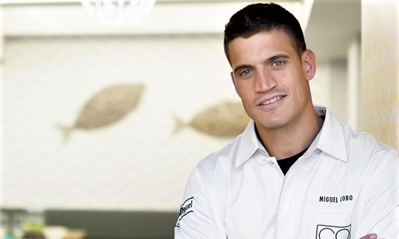 Felizmente casado y padre de una niña: así es Miguel Cobo, el atractivo chef que cautiva en 'La última cena'