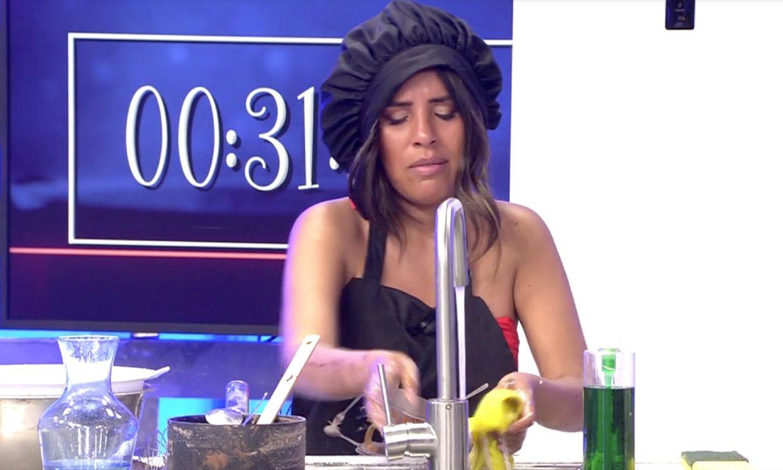 Isa Pantoja no puede contener las lágrimas al hablar de su madre en 'La última cena'