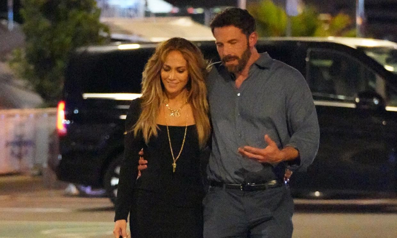 Románticos besos y una celebración: Jennifer Lopez y Ben Affleck, una apasionada pareja en Saint-Tropez