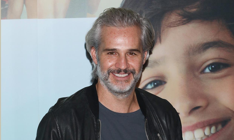 El actor Juan Pablo Medina, Diego en 'La casa de las flores', hospitalizado de urgencia
