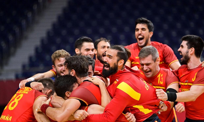 Lágrimas, euforia y una emotiva despedida... Los 'Hispanos' conquistan el bronce en balonmano