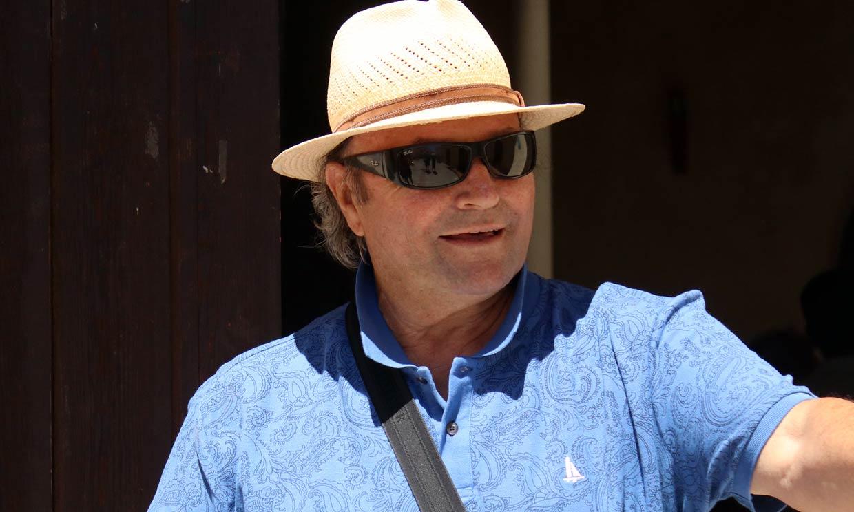 Amador Mohedano, en observación tras ser ingresado de urgencia, recibe las primeras visitas