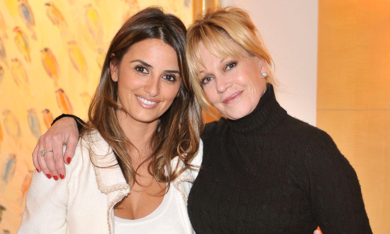 El cariñoso gesto de Melanie Griffith con su gran amiga Penélope Cruz a su llegada a Venecia