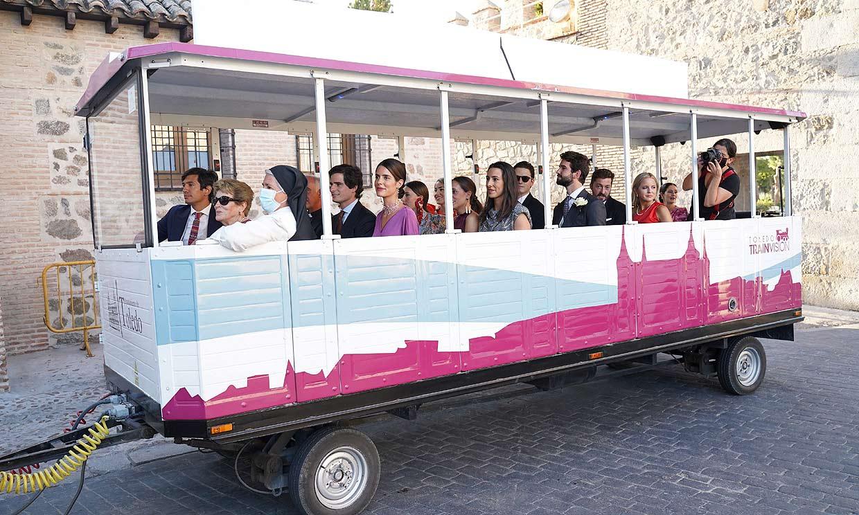 Trenecito para los invitados y Ferrari para los novios: los originales vehículos en la boda de Jaime Palazuelo y Micaella Rubini