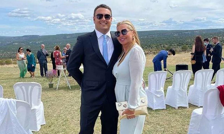 ¡Fin de semana de boda! Belén Esteban y su marido Miguel irradian amor en el pueblo de Zaorejas