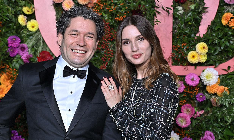 María Valverde se muestra orgullosa de su marido, Gustavo Dudamel, en uno de sus días más importantes