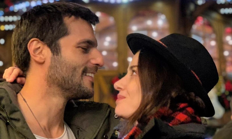 De la ficción a la realidad: Özge Gürel y Serkan Çayoğlu, de 'Amar es primavera', se casan