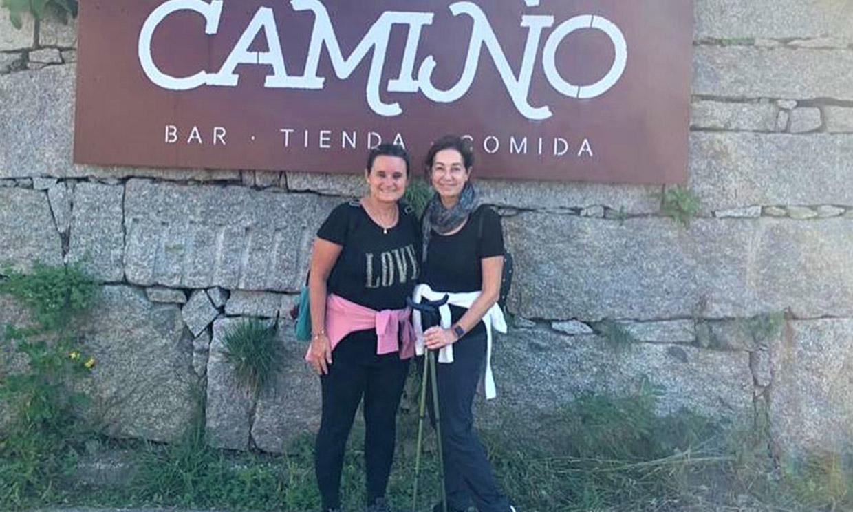 Ana Rosa Quintana cambia el plató por el bastón de peregrina: así ha disfrutado del puente