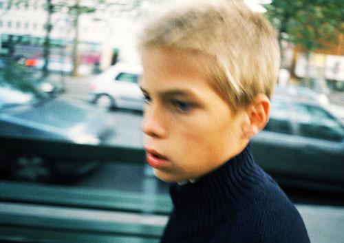 Los niños que viven junto a calles con más tráfico tienen un 40 por ciento más d