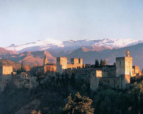 La Alhambra sigue siendo el monumento más visitado de España en 2011