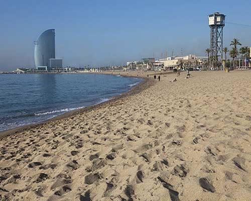 Las playas catalanas reciben 20 banderas 'Q' de calidad turística