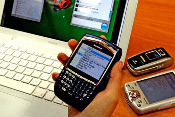 Los expertos prevén que los móviles superen a los ordenadores en el acceso a internet en 2013