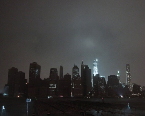 'Sandy' deja a oscuras a millones de hogares en la costa este de EE.UU