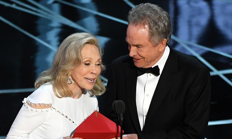 ¡Descubierto el misterio! ¿Quién es el responsable del error más comentado de los Oscar?