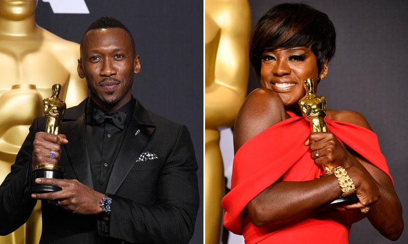 Viola Davis y Mahershala Ali alzan su Oscar como mejores actores de reparto