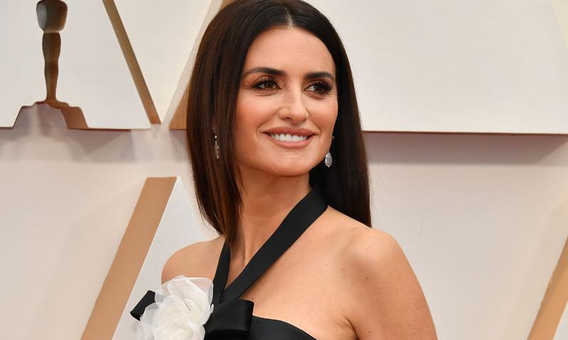 Seis años después, Penélope Cruz reaparece en los Oscar con un vestido sin precedentes