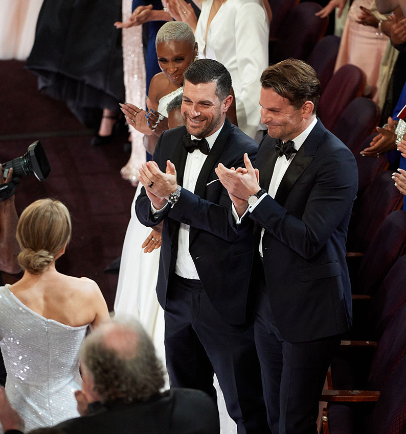 Renee Zellweger & Bradley Cooper Reunite At Oscars 9 Years