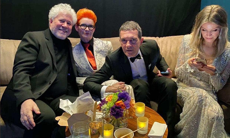 Reencuentros, el mejor fotógrafo y un pueblo en vela... La 'gloria' de Pedro Almodóvar en los Oscar
