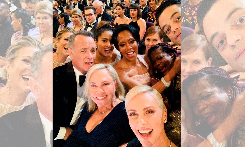 ¡Rápido, sonreíd! El otro selfie de los Oscar