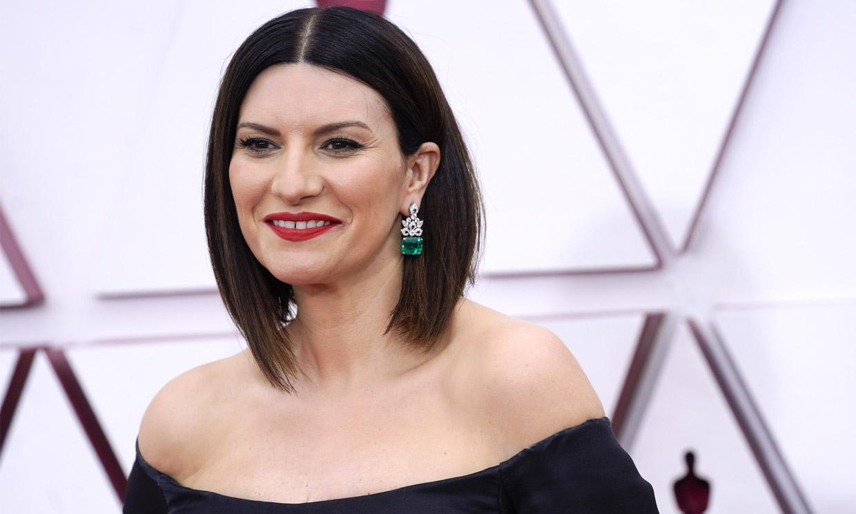 Laura Pausini lleva la elegancia de la Alta Costura italiana a los premios Oscar