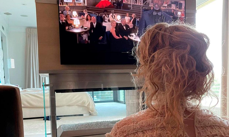 Del 'glamour' de Hollywood al pijama y el sofá: así han vivido las 'celebrities' los Oscar desde casa