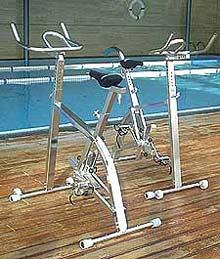 'Hydrospinning', disfrutar pedaleando dentro del agua