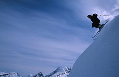 Disfruta las vacaciones esquiando