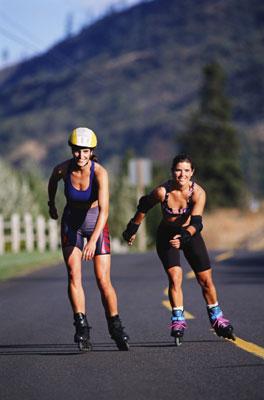 Diversión y ejercicio sobre patines
