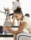 Si te apuntas al gimnasio, ¡no te olvides de los ejercicios con pesas!
