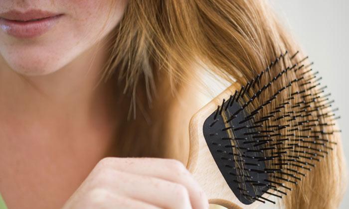 Caída del cabello después del embarazo: ¿por qué se produce?