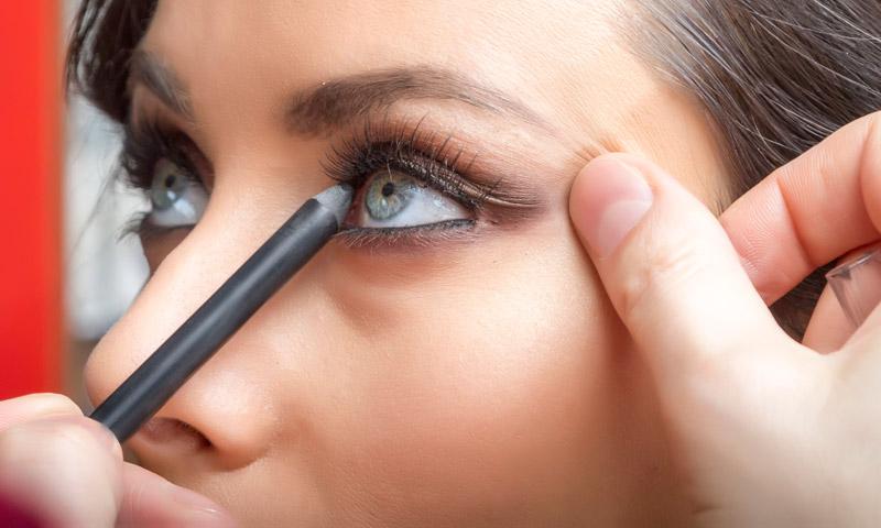 Trucos de belleza: Consigue el delineado perfecto para tu tipo de ojo