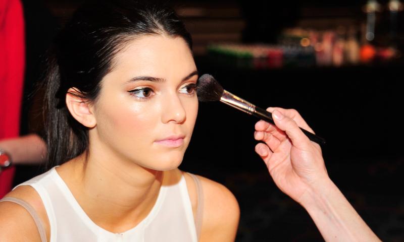 Trucos para aplicar las sombras de ojos y lucir una mirada perfecta