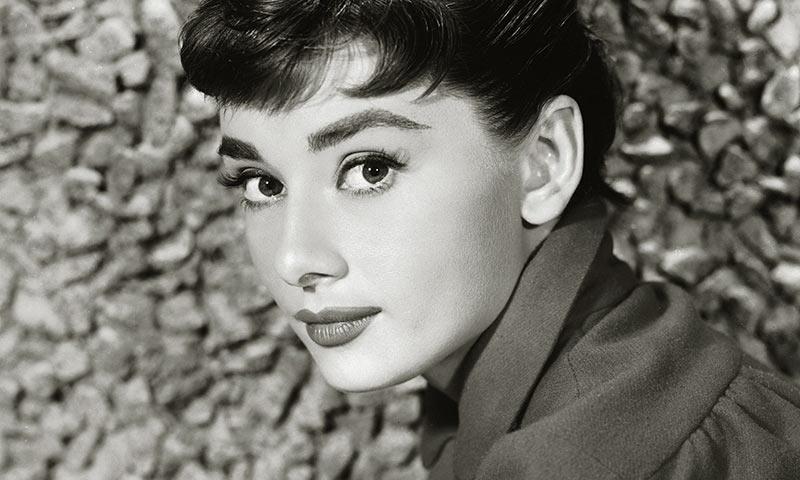 Todas las 'celebrities' que se inspiran en Audrey Hepburn para triunfar