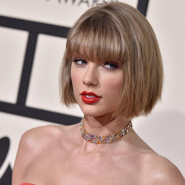 El Look Extra Liso De Taylor Swift Y Otros Peinados Para Mujeres Con