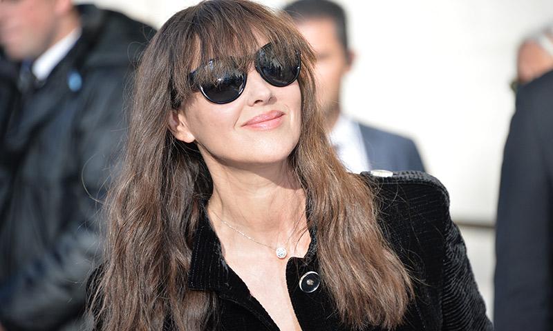 Monica Belluci se entrega al peinado tendencia de la temporada (y da en el clavo)