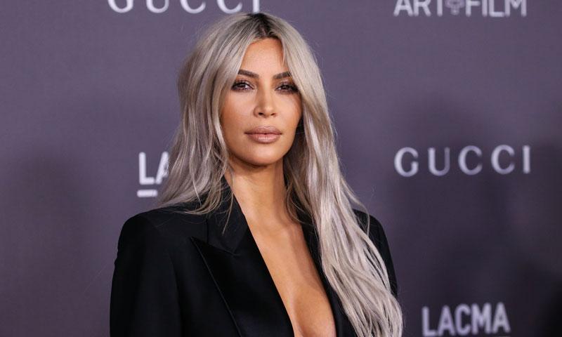 Kim Kardashian cae rendida ante el tratamiento de belleza que triunfa en Hollywood
