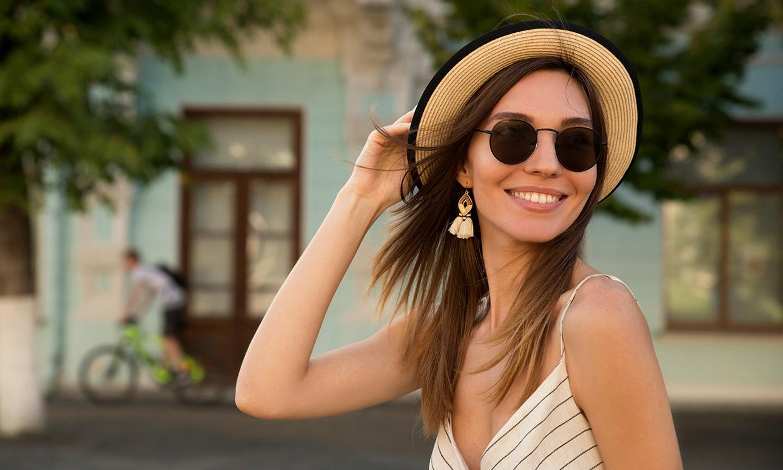 El dermatólogo de moda advierte sobre los daños del sol: incluye protector en tu rutina de belleza
