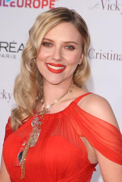 Nuestros internautas prefieren la melena dorada de Scarlett Johansson